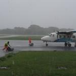 Refuelling an aeroplane, Vanuatu style